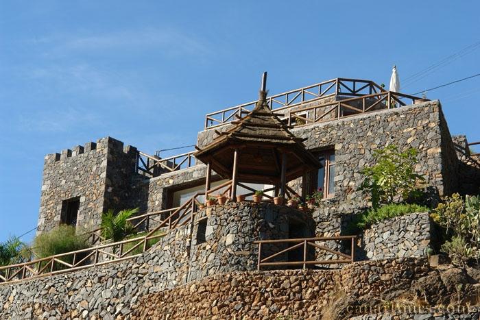 Teneryfa -Vera de Erques-Castillo de Erques